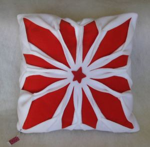 Resize of poduszka biało czerwona_ 02